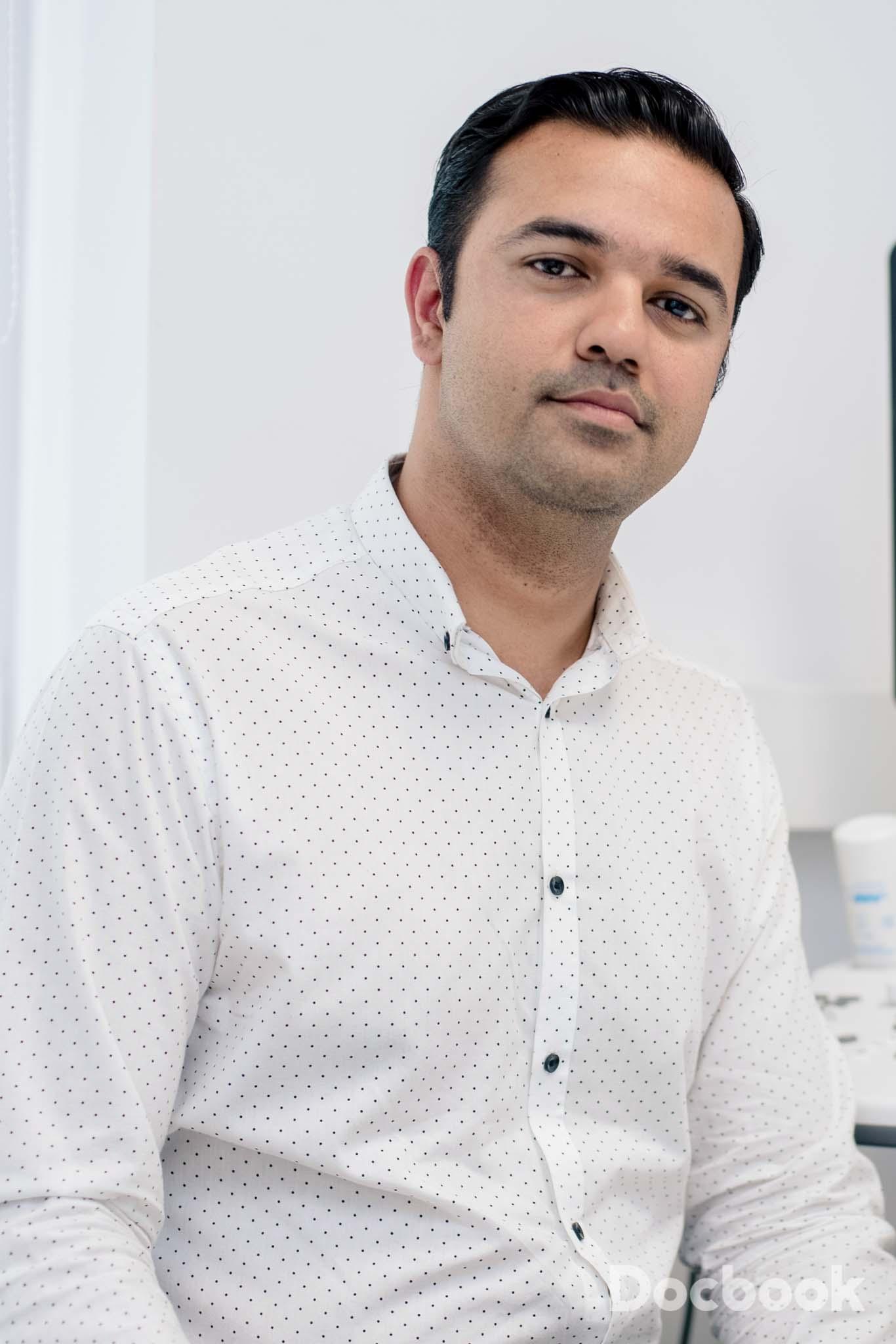 Dr. Vora Prateek