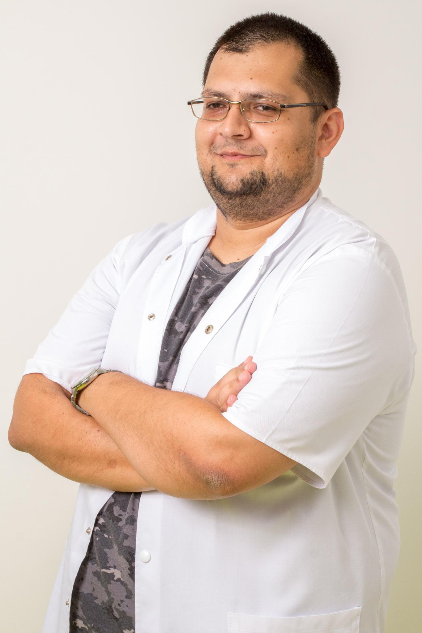Dr. Csaba Kovacs