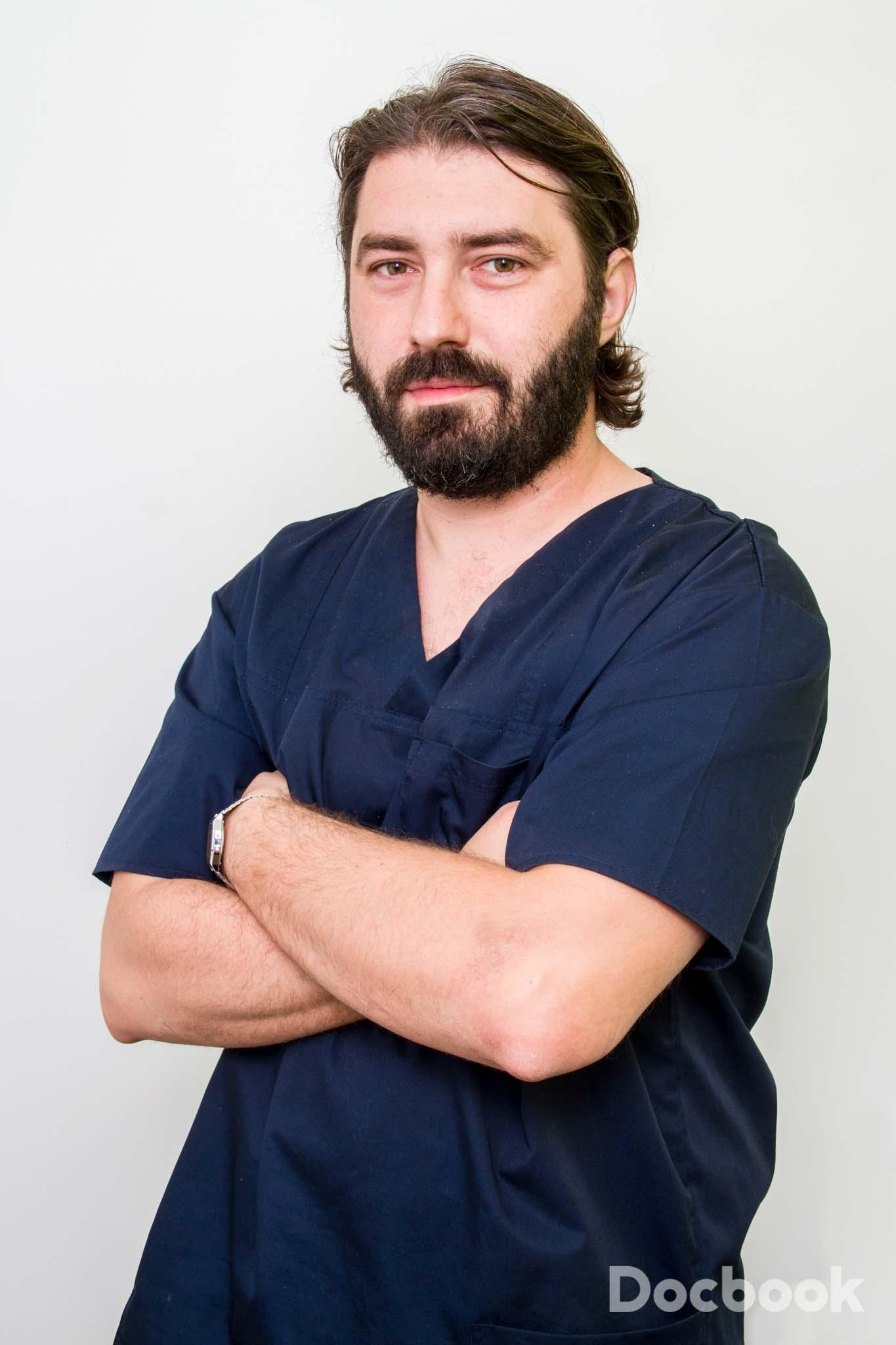 Dr.  Diaconu Victor-Cristian