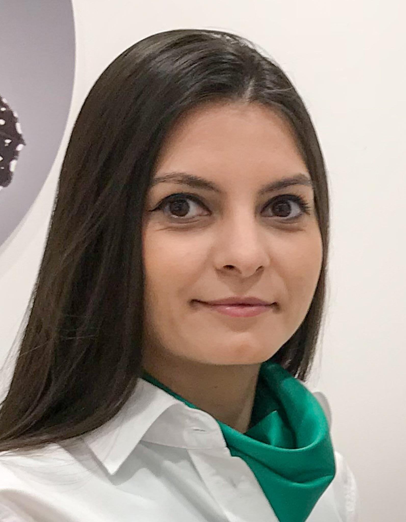 Dr. Cristina Stefan