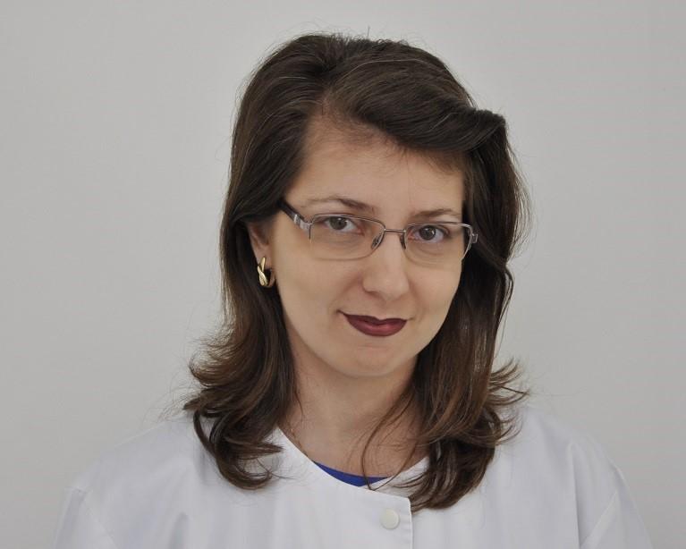 Dr. Claudia Homor