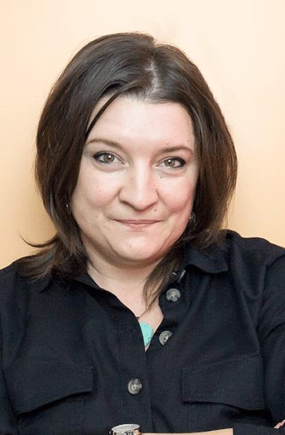 Dr. Adriana Stuparoiu