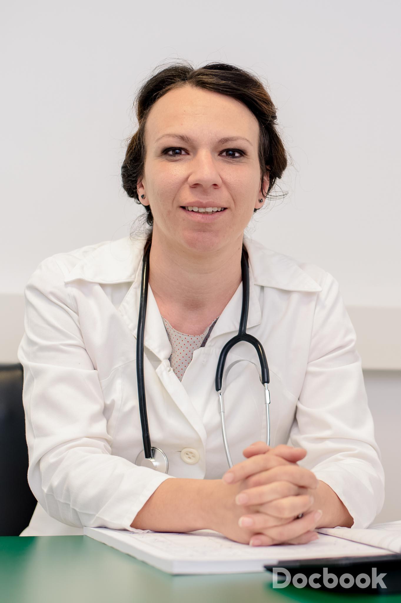 Dr. Andreea Iana