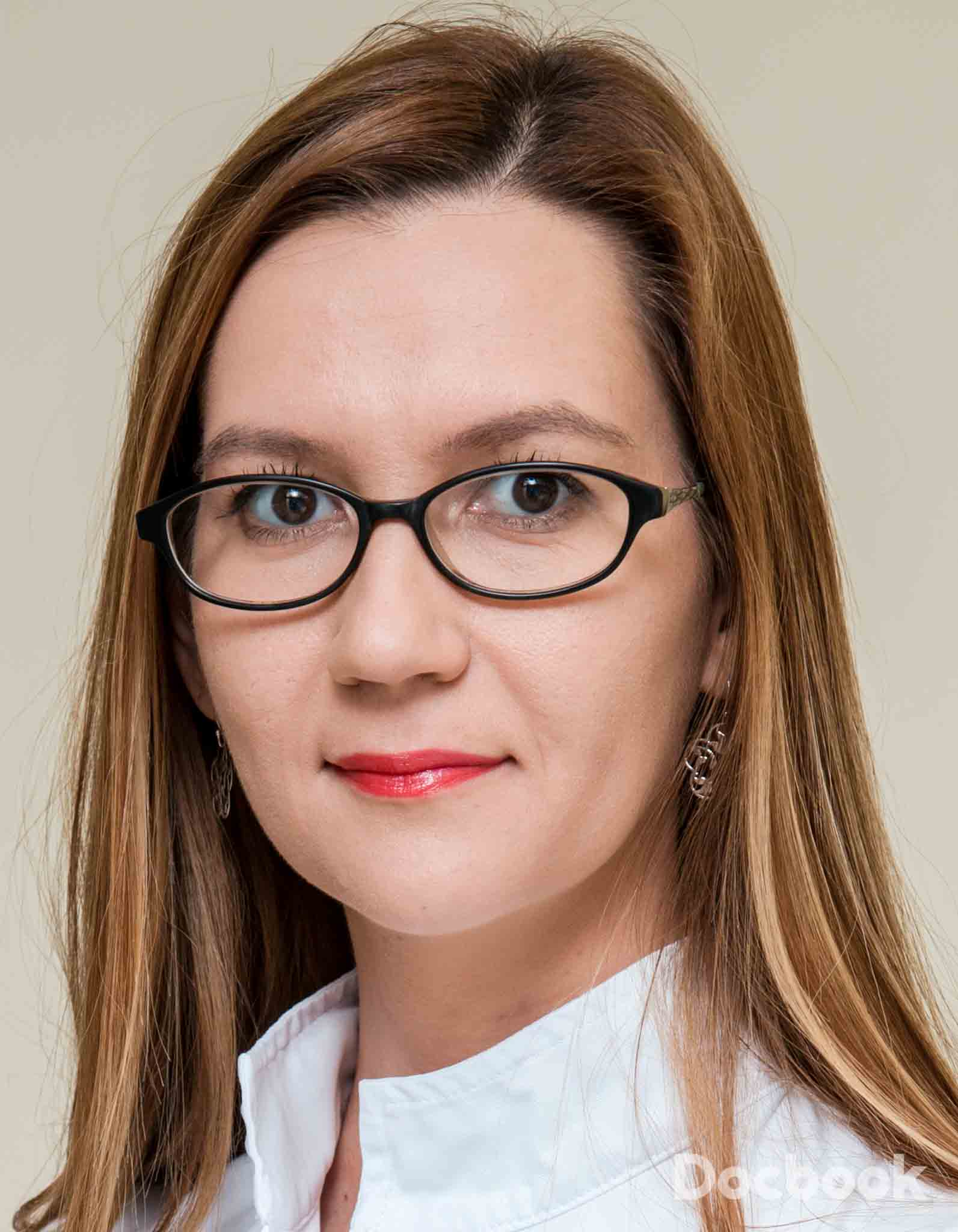 Dr. Cristina-Raluca Manta
