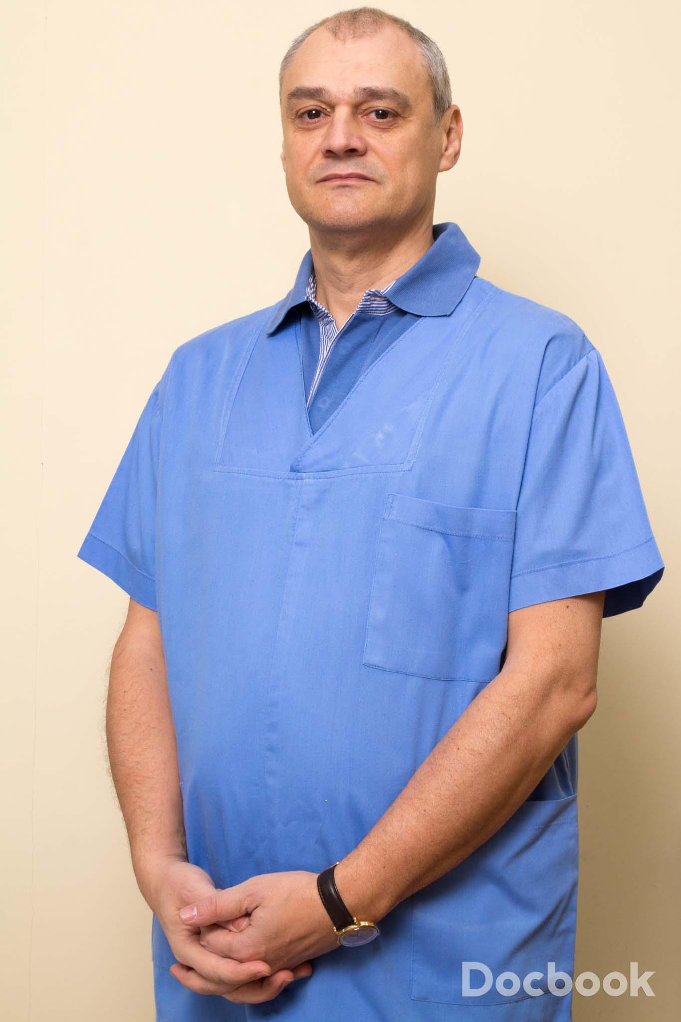Dr. Manuc Mircea