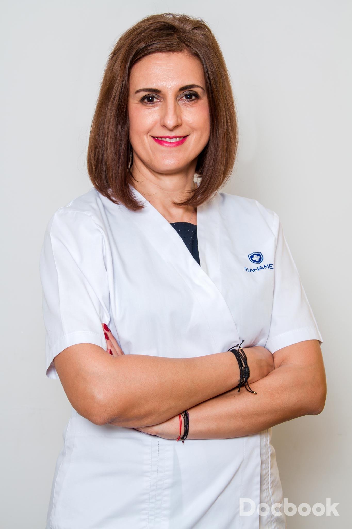 Dr. Adriana Dumitrescu