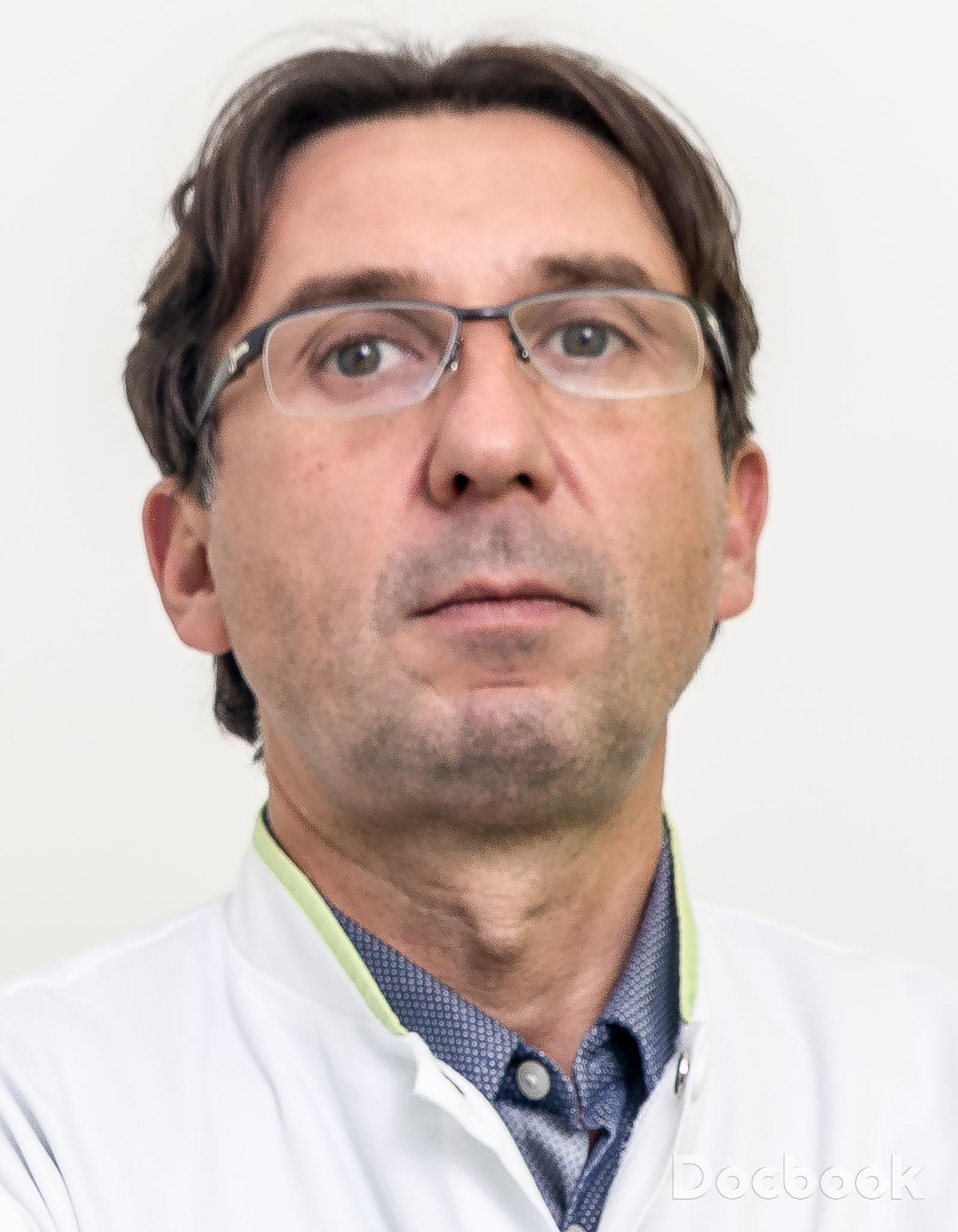 Dr.  Stroescu Cezar
