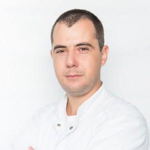 Dr. Razvan Stavri
