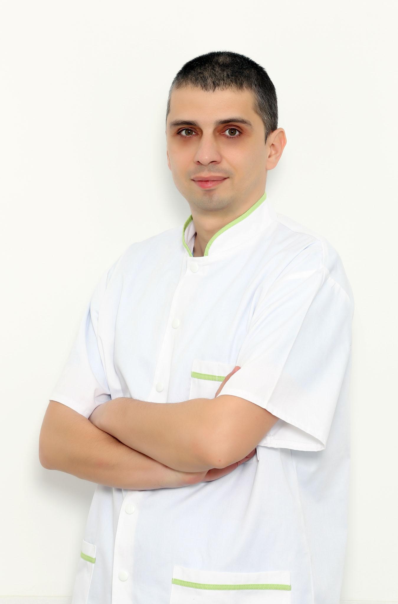 Dr.  Marinescu Ioan-Codrut