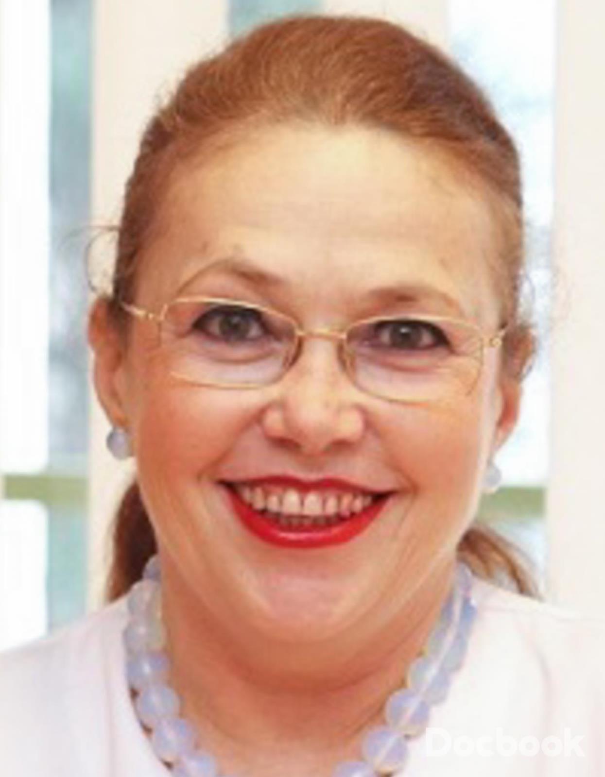 Dr. Zoe Stratulat