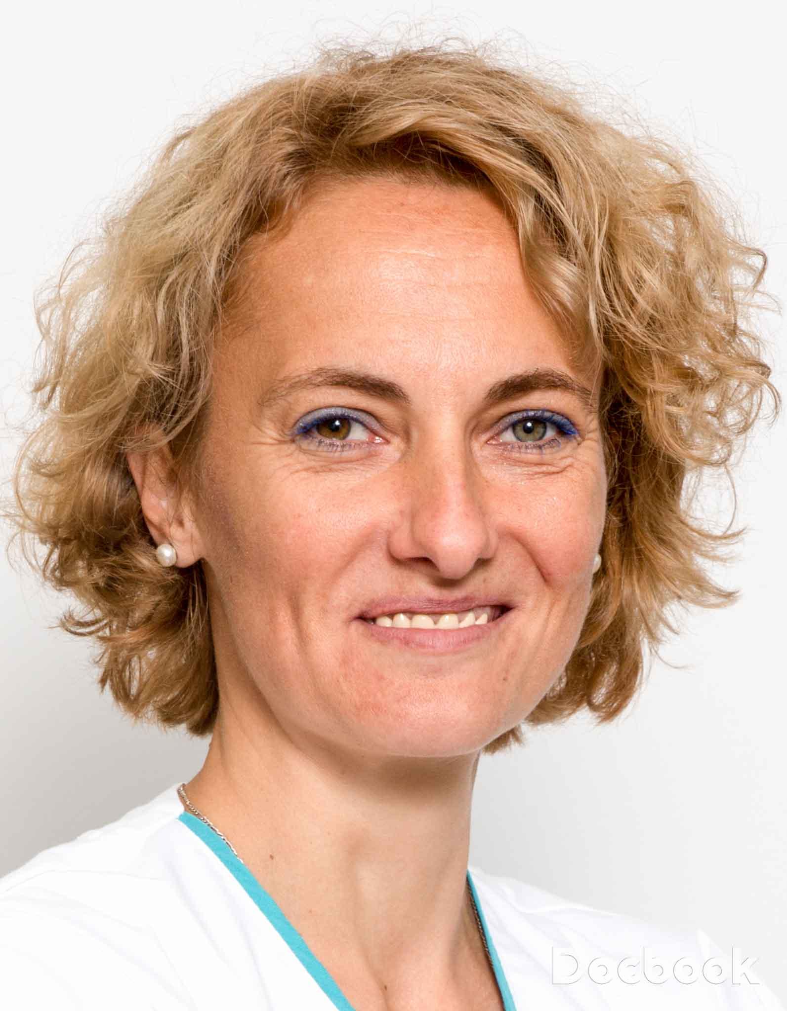 Dr. Roxana Chiciu