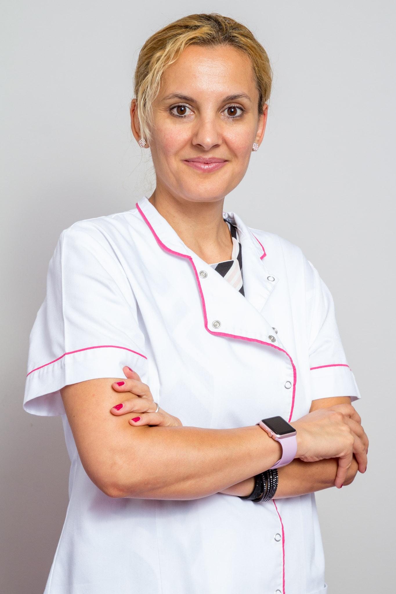 Dr. Oana Sinisteanu