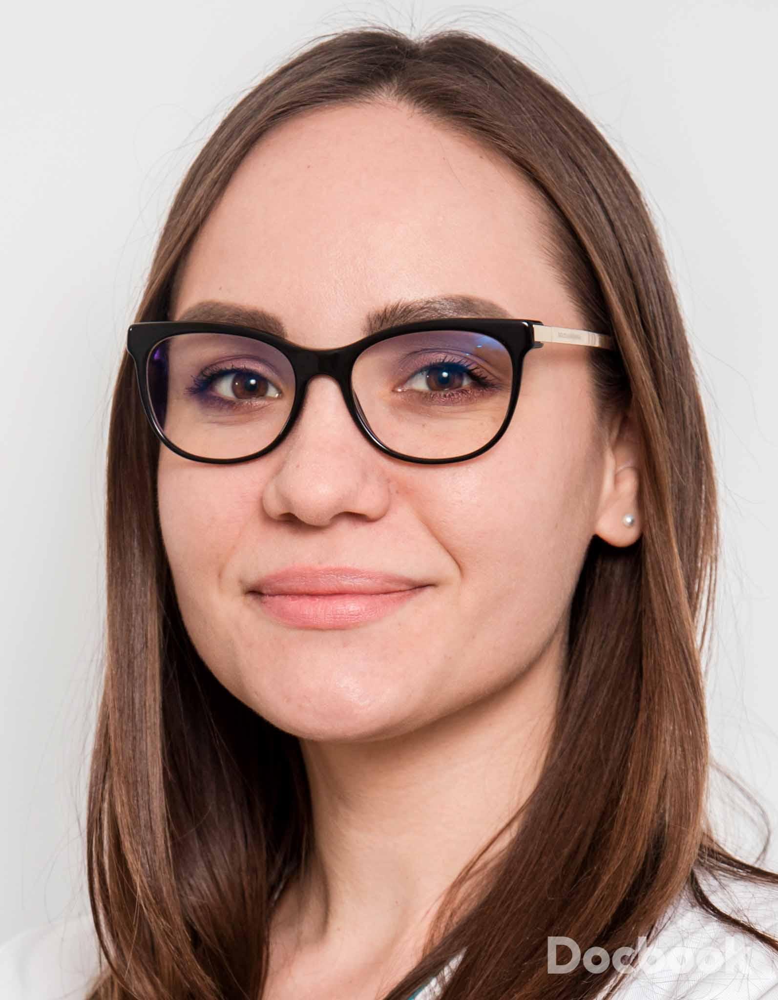 Dr. Alexandra Nuca