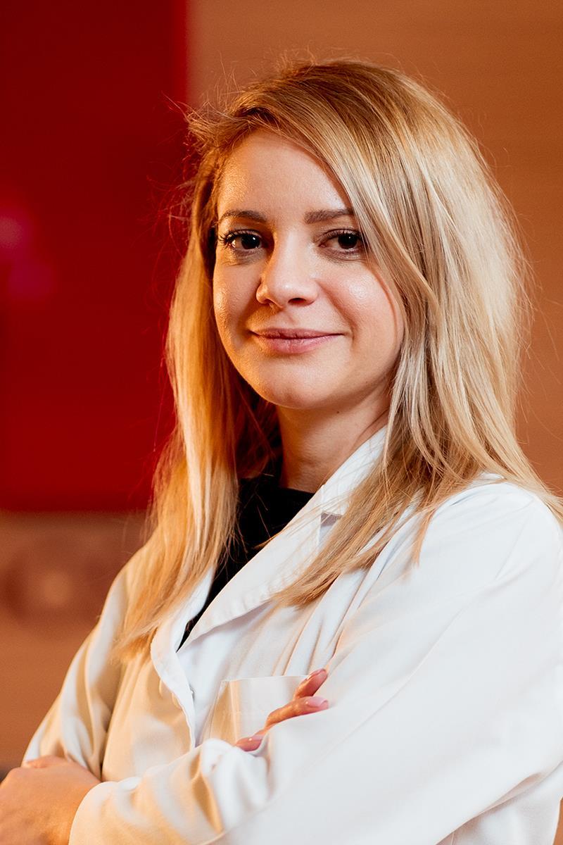 Dr. Paula Cruceanu