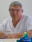 Dr. Adrian Tarnau