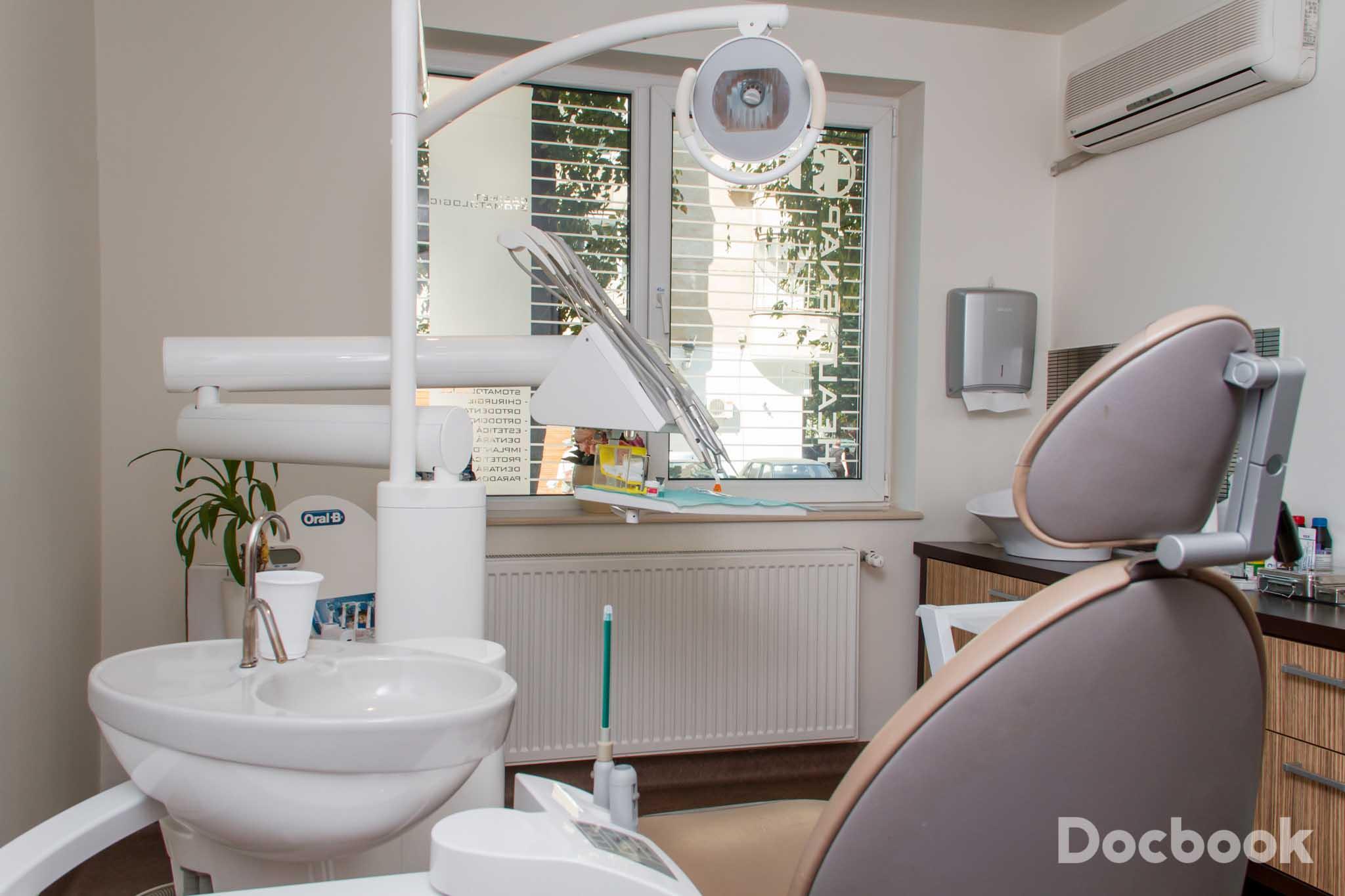 Clinica Healthsnap Dental Clinic