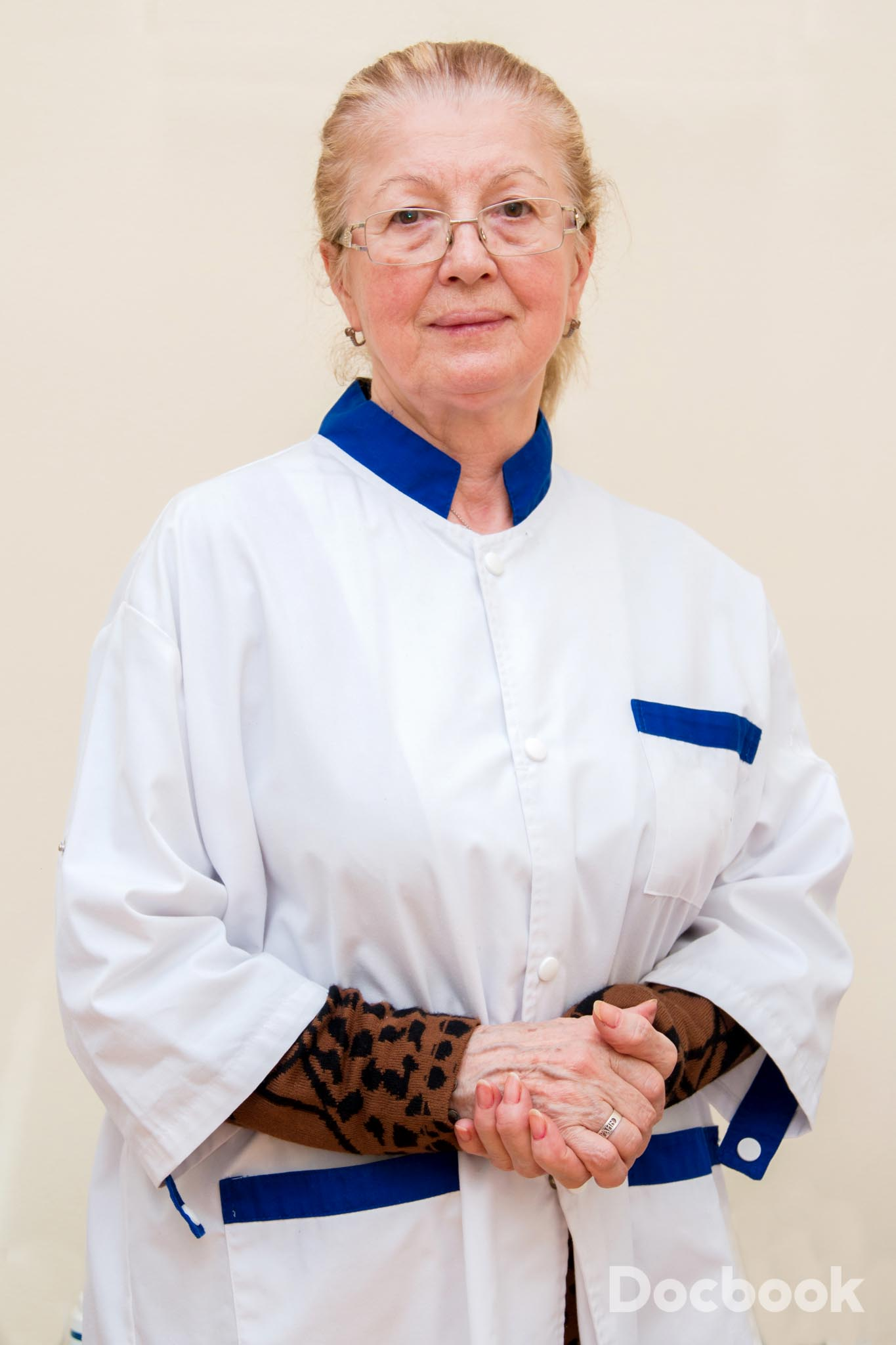 Dr. Elena Balmes