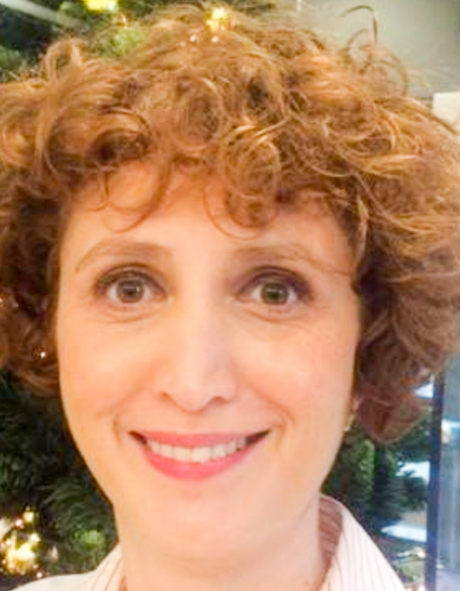 Dr. Ana Maria Manescu