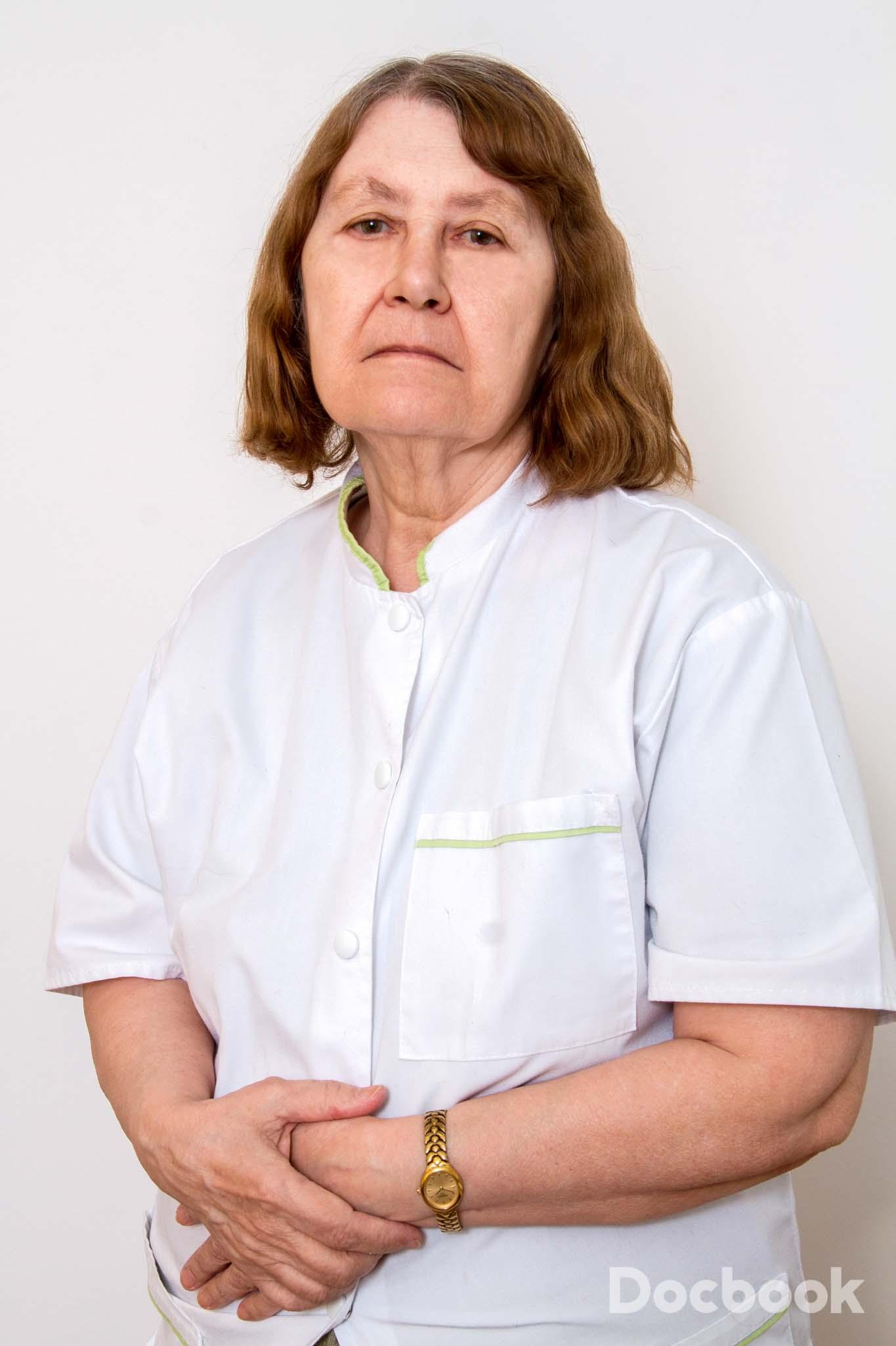 Dr.  Gudovan Emilia