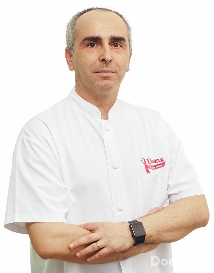 Dr. Dragos Median