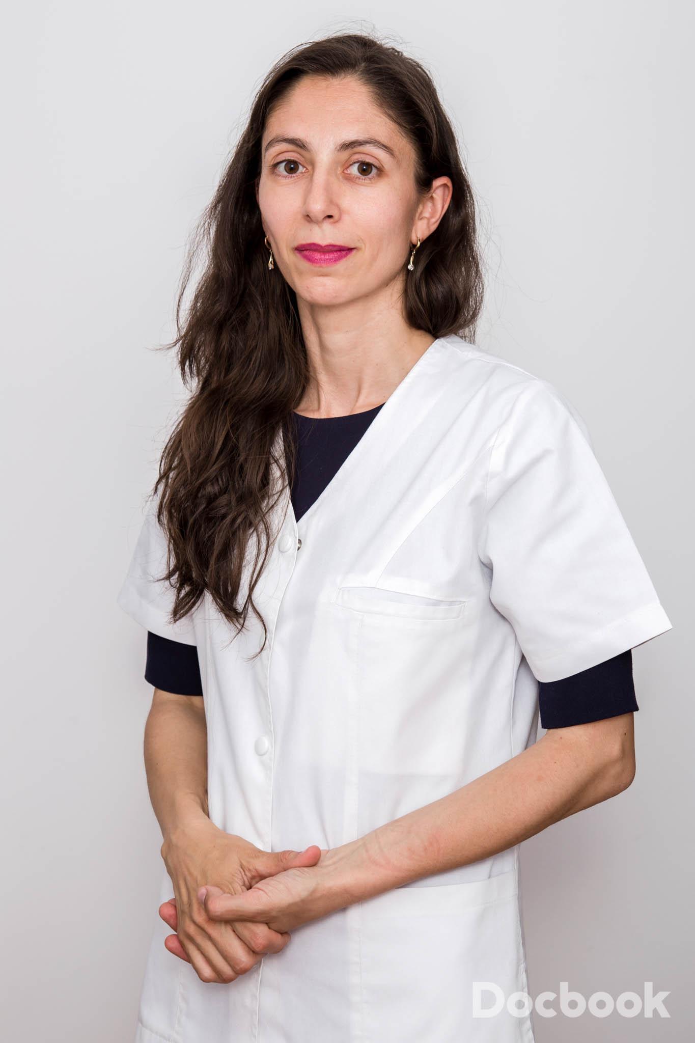 Dr. Camelia Cimpoesu